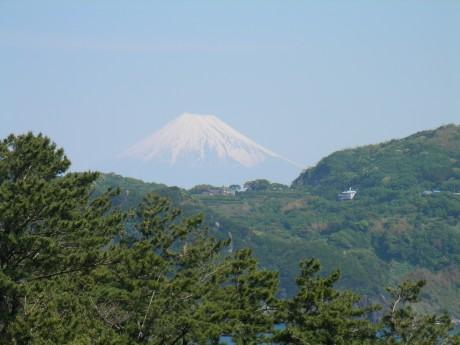 20070524黄金崎015駐車場から見た富士山