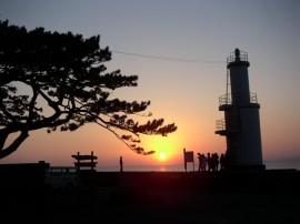 灯台とサンセット